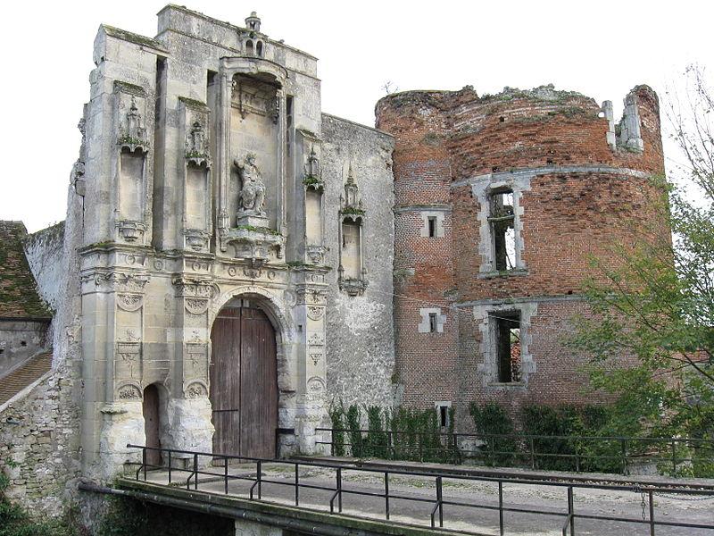 Photo du Monument Historique Château situé à Nantouillet