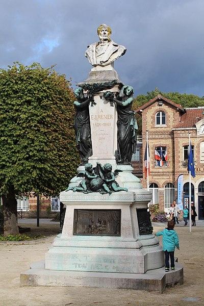 Photo du Monument Historique Monument à Emile Menier situé à Noisiel