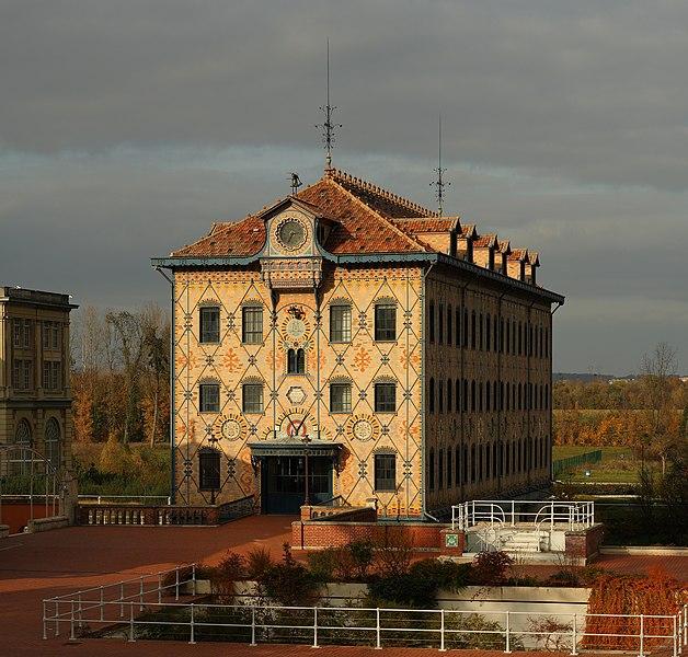Photo du Monument Historique Ancienne usine Menier situé à Noisiel
