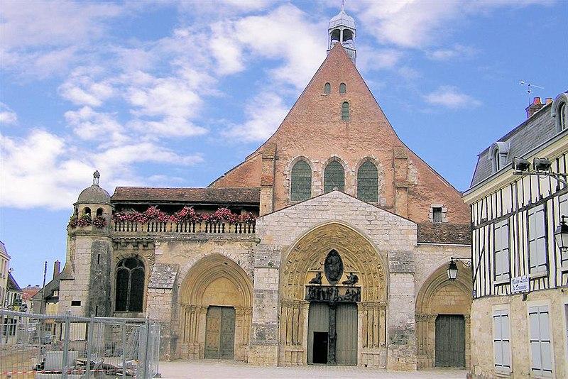 Photo du Monument Historique Ancienne abbaye ou prieuré Saint-Ayoul situé à Provins