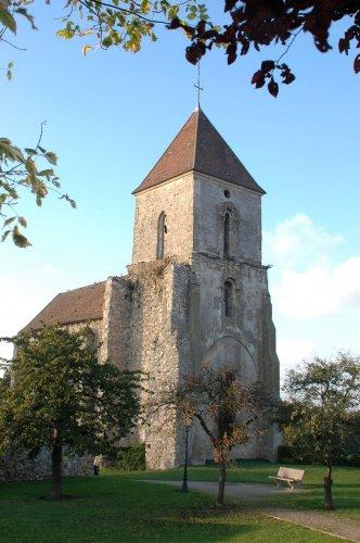 Photo du Monument Historique Eglise situé à Saint-Mesmes
