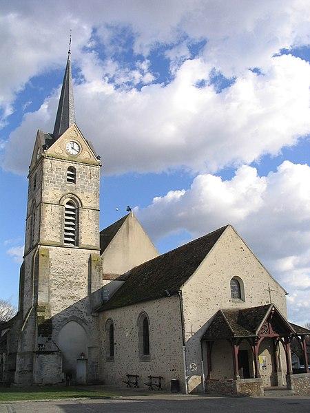 Photo du Monument Historique Eglise Saint-Germain situé à Savigny-le-Temple