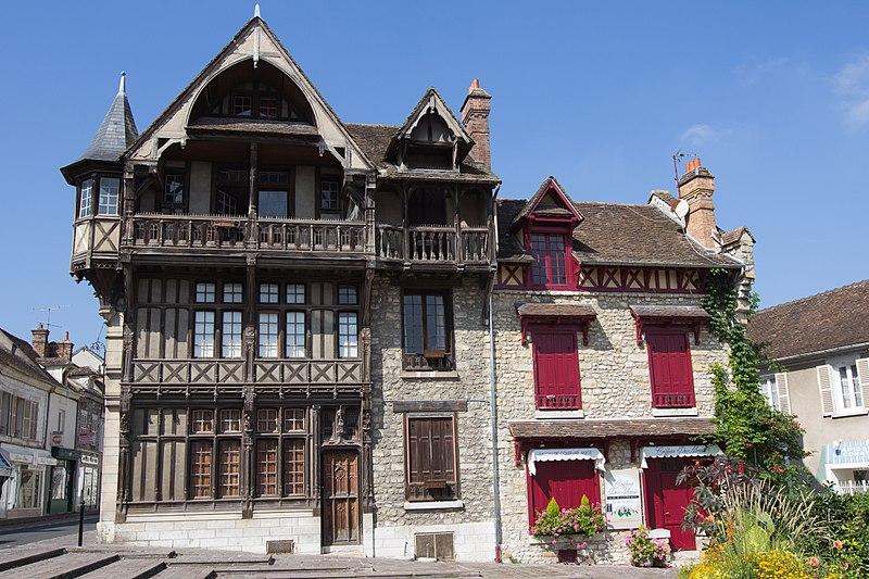 Photo du Monument Historique Maison Raccolet situé à Moret-sur-Loing