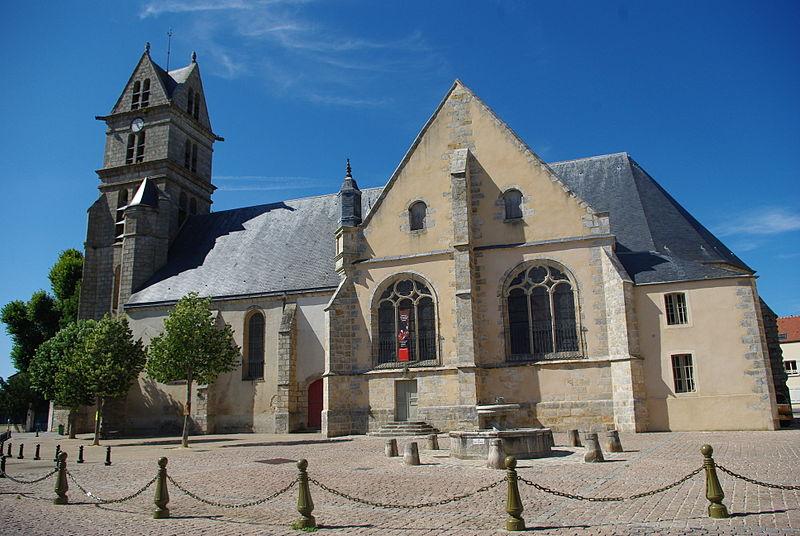 Photo du Monument Historique Eglise Saint-Martin situé à Fontenay-Trésigny