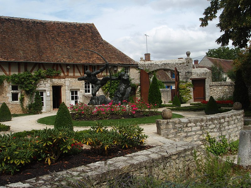 Photo du Monument Historique Propriété Dufet-Bourdelle situé à Egreville