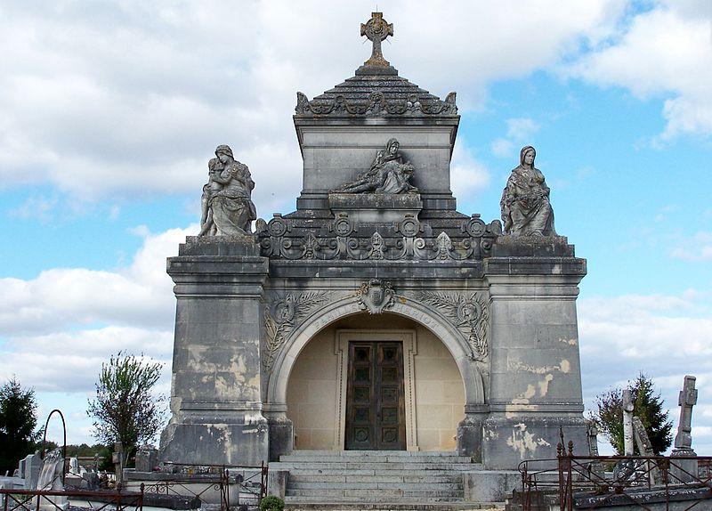 Photo du Monument Historique Chapelle funéraire de la famille Heriot situé à La Boissière-Ecole