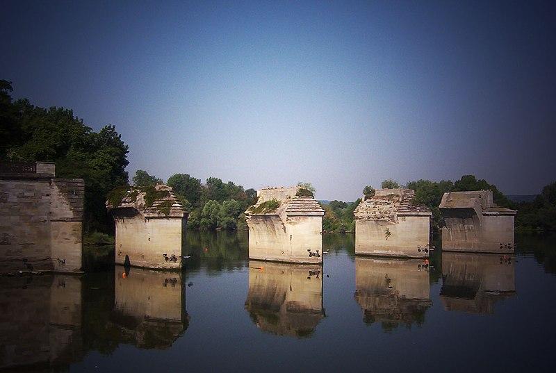 Photo du Monument Historique Pont sur la Seine (également sur commune de Poissy) situé à Carrières-sous-Poissy