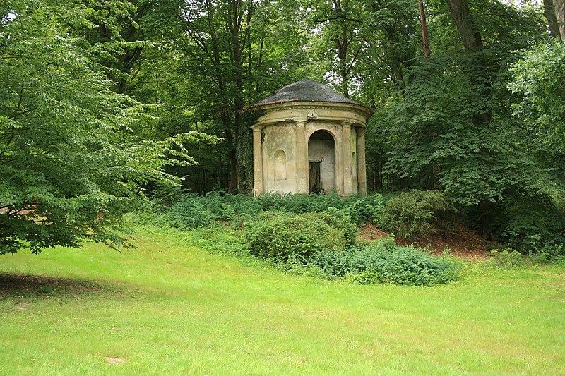 Photo du Monument Historique Domaine dit Désert de Retz situé à Chambourcy