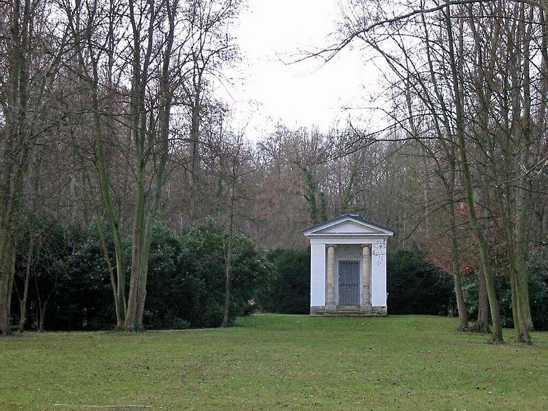 Photo du Monument Historique Pavillon de David dit Temple de David situé à Epône