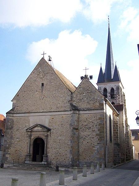 Photo du Monument Historique Eglise Saint-Martin situé à Jouy-en-Josas