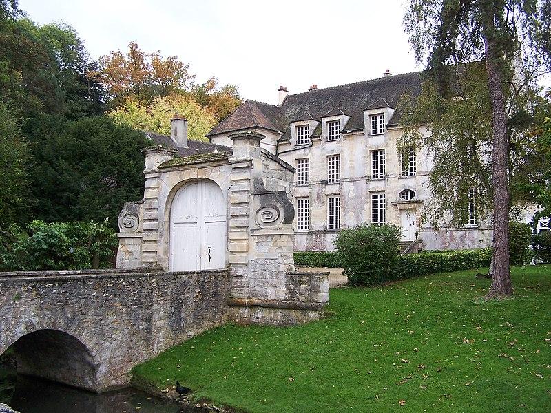 Photo du Monument Historique Château du Pont situé à Louveciennes