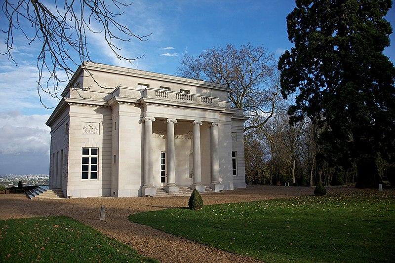 Photo du Monument Historique Pavillon de musique de la du Barry situé à Louveciennes