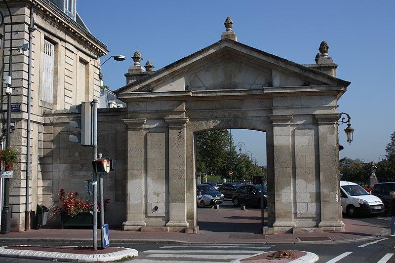Photo du Monument Historique Portes situé à Maisons-Laffitte