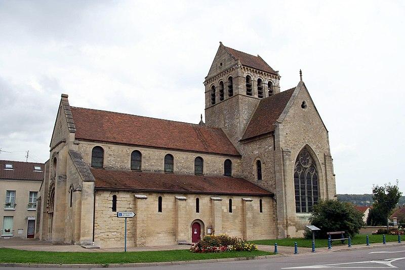 Photo du Monument Historique Eglise Sainte-Anne-de-Gassicourt situé à Mantes-la-Jolie