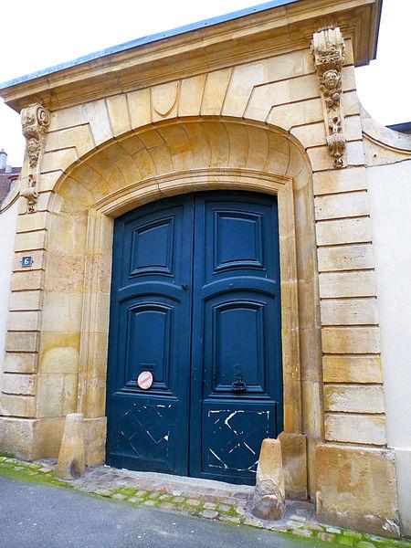 Photo du Monument Historique Ancien Hôtel Corsillier situé à Mantes-la-Jolie