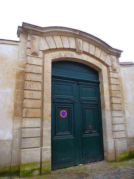 Photo du Monument Historique Ancien hôtel situé à Mantes-la-Jolie