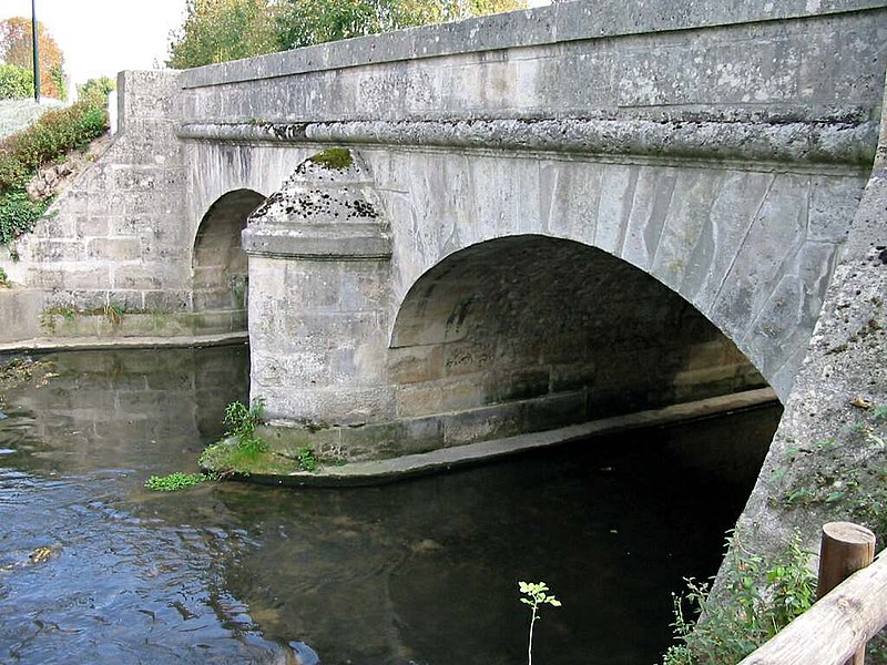 Photo du Monument Historique Pont sur la Mauldre situé à Mareil-sur-Mauldre