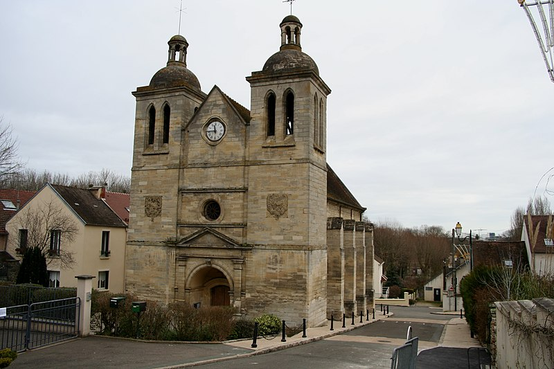 Photo du Monument Historique Eglise Saint-Germain Saint-Clair et croix situé à Médan