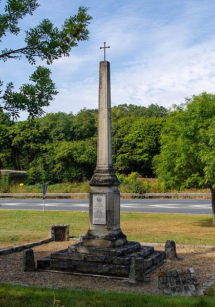 Photo du Monument Historique Croix de Saint-Jacques situé à Le Perray-en-Yvelines