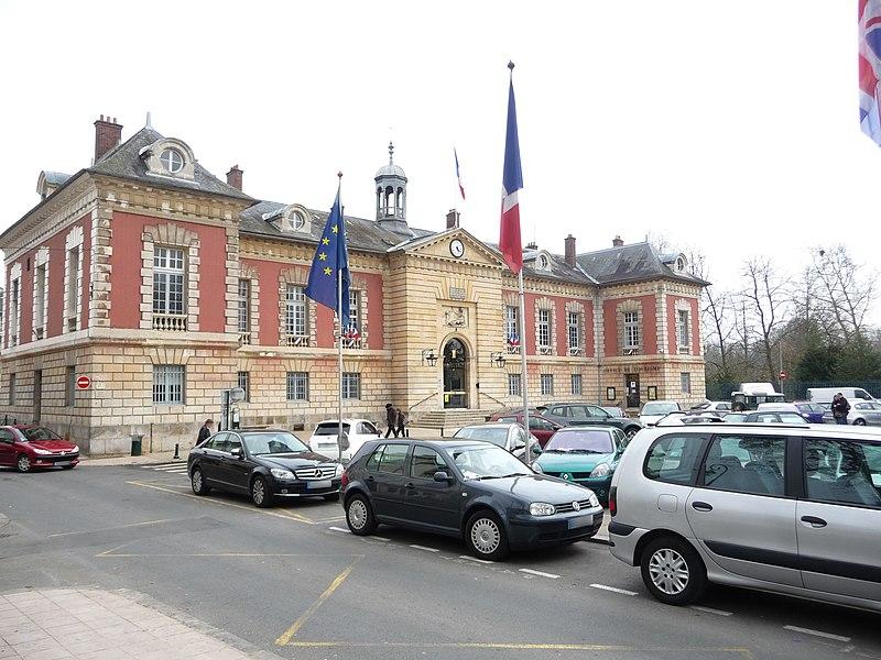 Photo du Monument Historique Hôtel de ville situé à Rambouillet