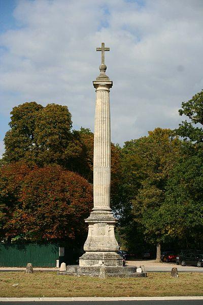Photo du Monument Historique Croix de Noailles situé à Saint-Germain-en-Laye