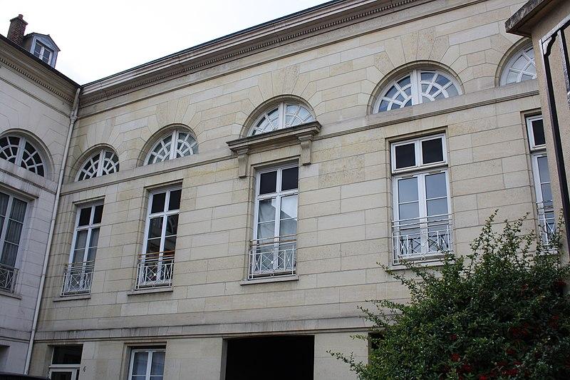 Photo du Monument Historique Grande écurie du Roi (ancienne ou Quartier du Luxembourg situé à Saint-Germain-en-Laye