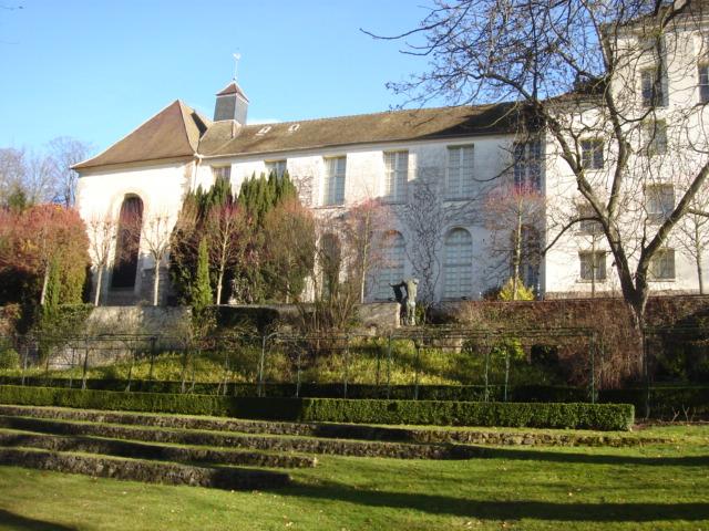 Photo du Monument Historique Propriété de Maurice Denis, dite Le Prieuré situé à Saint-Germain-en-Laye