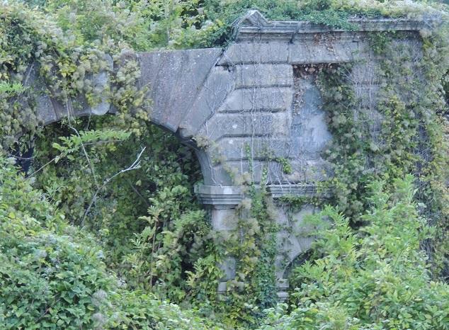 Photo du Monument Historique Porterie de la ferme d'Orzeau situé à Tessancourt-sur-Aubette