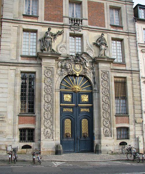 Photo du Monument Historique Hôtel des Affaires Etrangères situé à Versailles