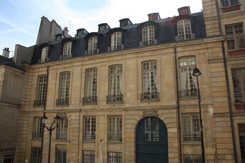 Photo du Monument Historique Hôtel de la Poste situé à Versailles