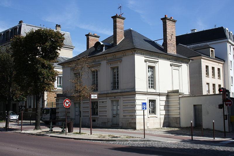 Photo du Monument Historique Pavillon de l'octroi situé à Versailles