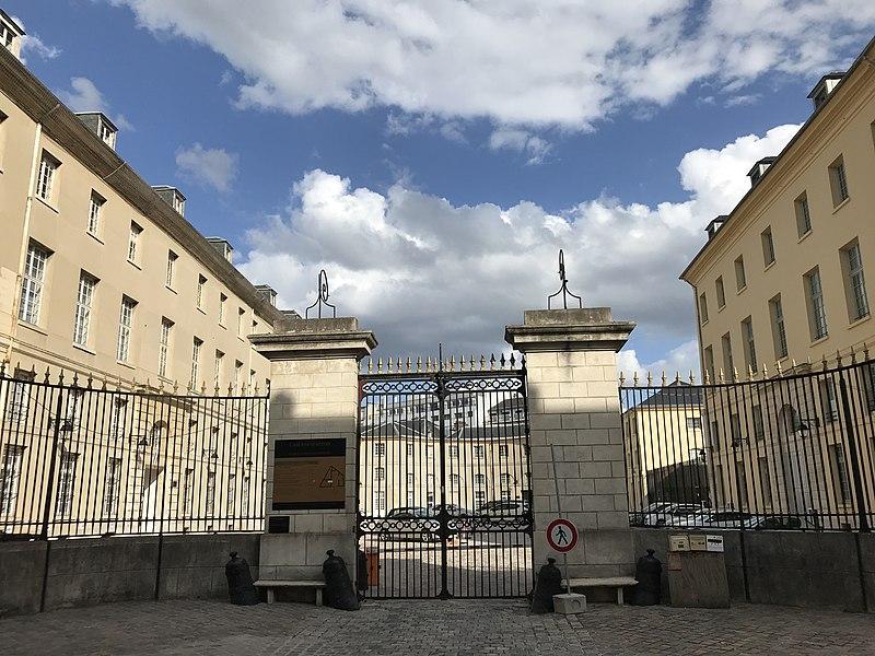 Photo du Monument Historique Quartier d'Artois situé à Versailles