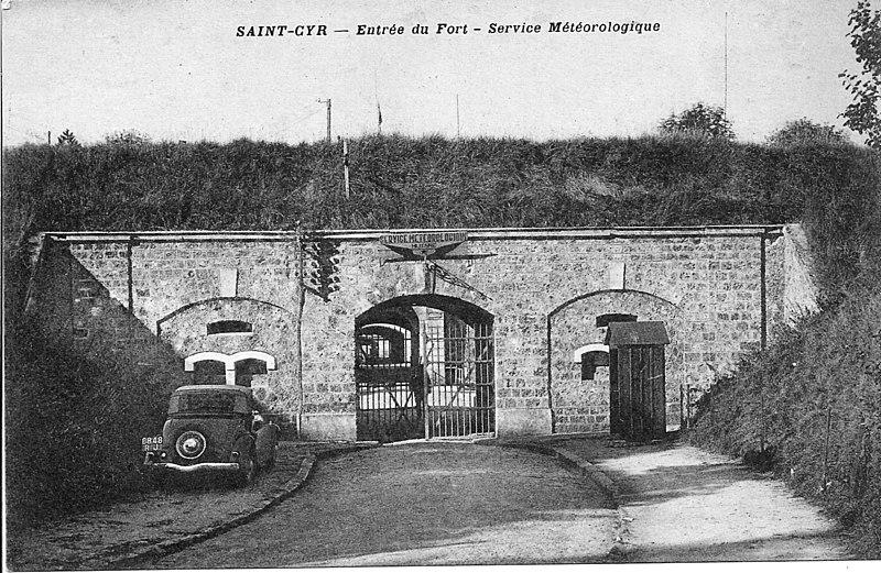 Photo du Monument Historique Fort de Saint-Cyr situé à Montigny-le-Bretonneux