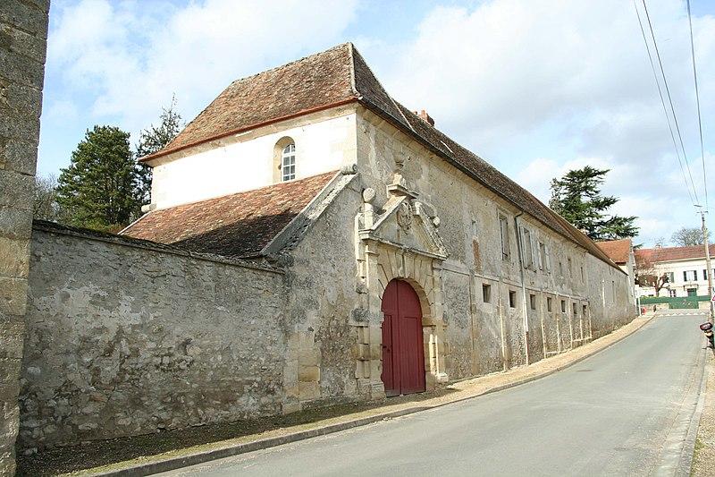 Photo du Monument Historique Ancien logis seigneurial situé à Brueil-en-Vexin