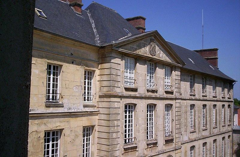 Photo du Monument Historique Château de Jambville situé à Jambville