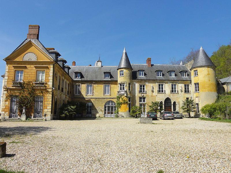 Photo du Monument Historique Château de Vaux situé à Vaux-sur-Seine