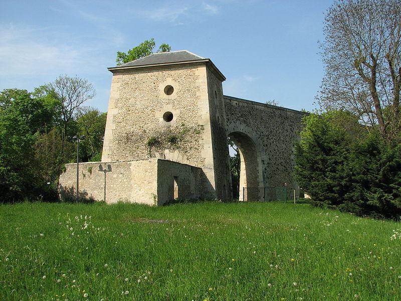 Photo du Monument Historique Bâtiment dit Regard du Jongleur situé à Louveciennes