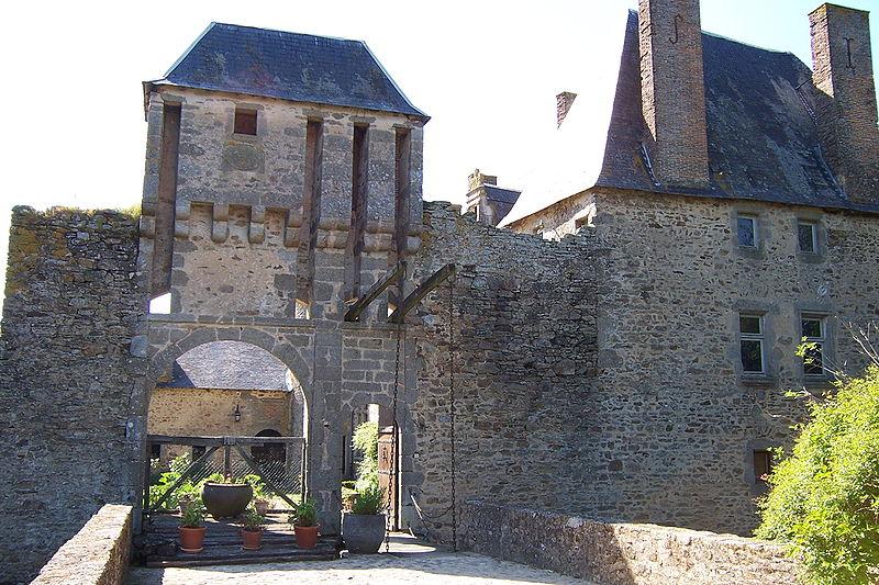 Photo du Monument Historique Château de la Guyonnière situé à Beaulieu-sous-Parthenay