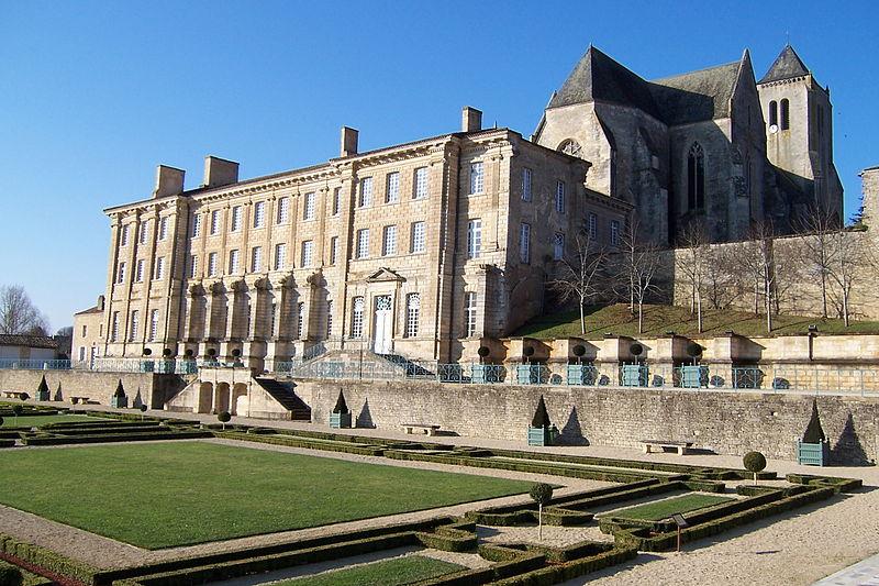 Photo du Monument Historique Ancienne abbaye royale Notre-Dame situé à Celles-sur-Belle
