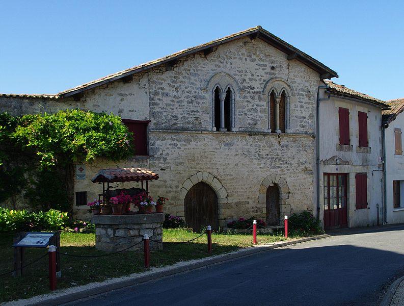 Photo du Monument Historique Ancienne maison situé à Limalonges