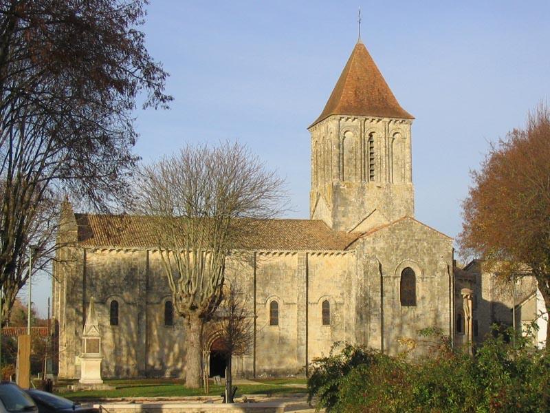 Photo du Monument Historique Eglise Saint-Pierre situé à Melle