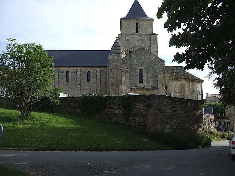 Photo du Monument Historique Ancienne église Saint-Savinien situé à Melle