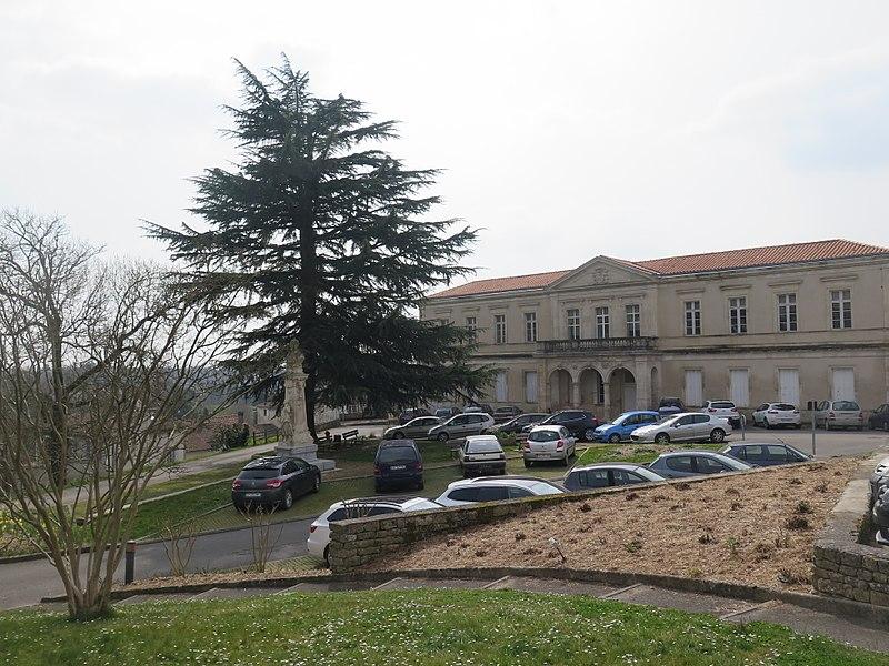 Photo du Monument Historique Hospice situé à Melle