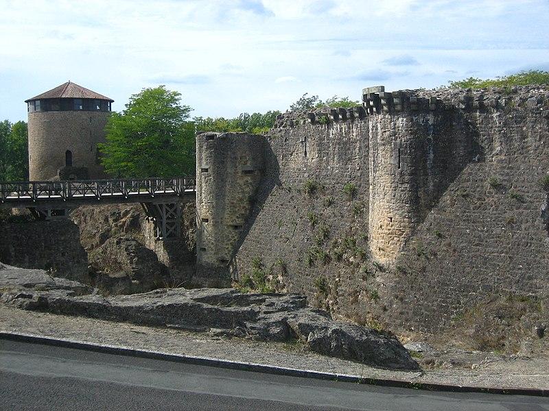 Photo du Monument Historique Château situé à Parthenay