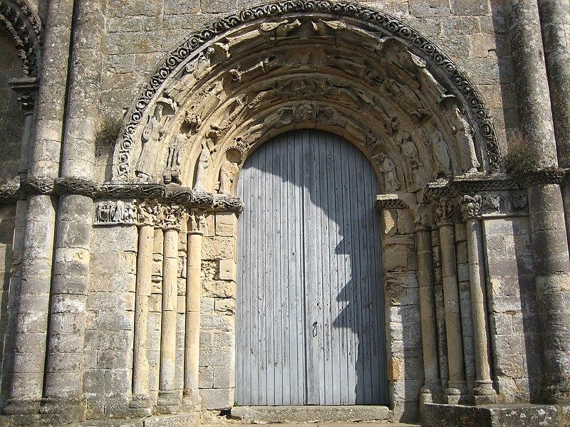 Photo du Monument Historique Restes de l'ancienne église Notre-Dame-de-la-Couldre situé à Parthenay