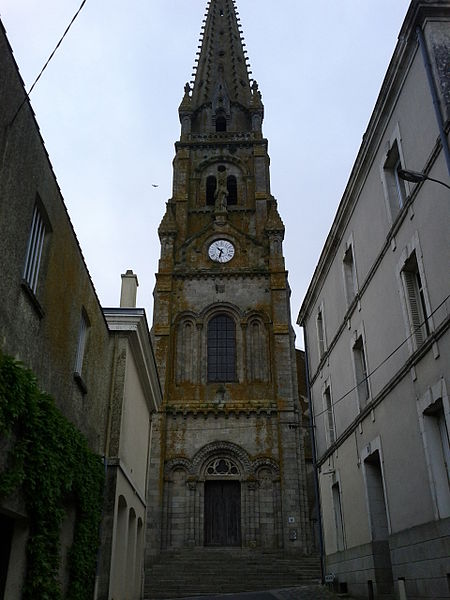 Photo du Monument Historique Eglise Saint-Laurent situé à Parthenay