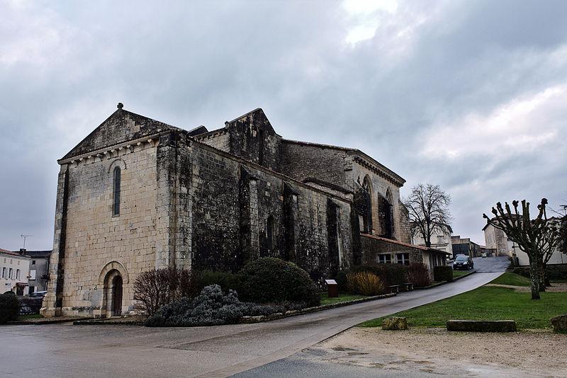 Photo du Monument Historique Eglise Saint-Martin situé à Périgné