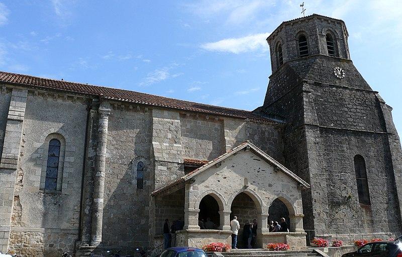 Photo du Monument Historique Eglise Sainte-Eulalie situé à Secondigny