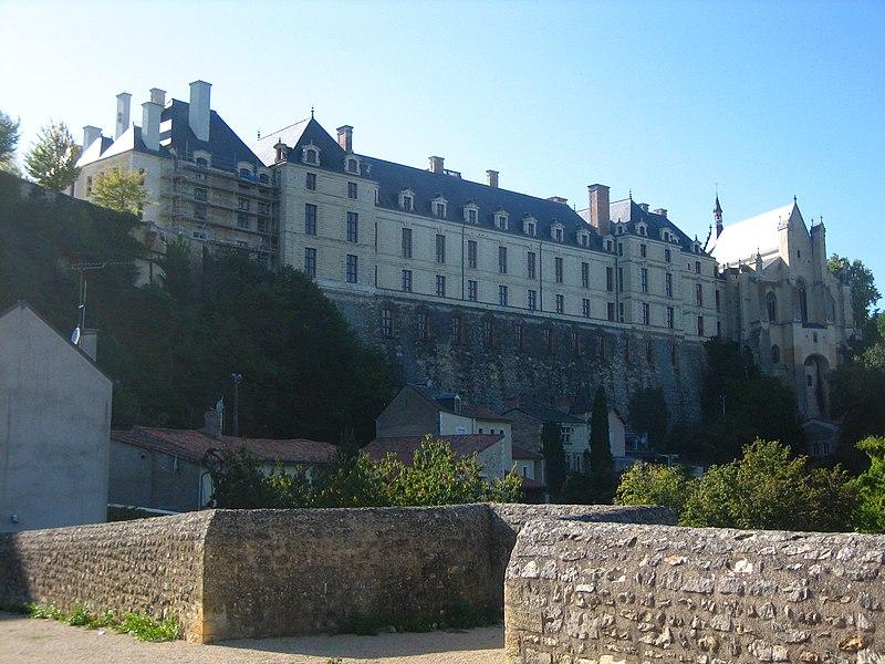Photo du Monument Historique Château des Ducs de la Trémoïlle situé à Thouars