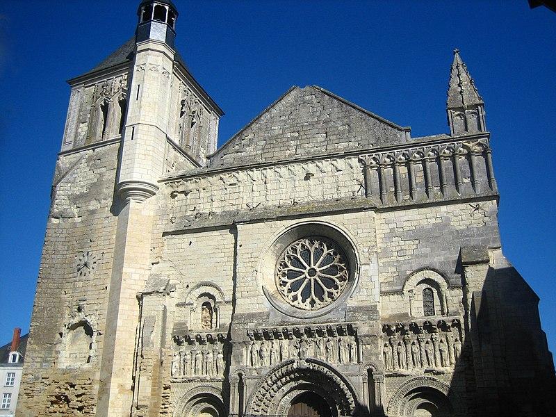 Photo du Monument Historique Eglise Saint-Médard situé à Thouars